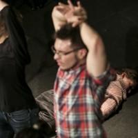 czytanie sztuki: Mateusz Pakuła MÓJ NIEPOKÓJ MA PRZY SOBIE BROŃ